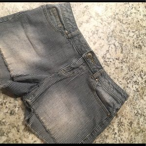 Lauren Conrad railroad shorts size 6